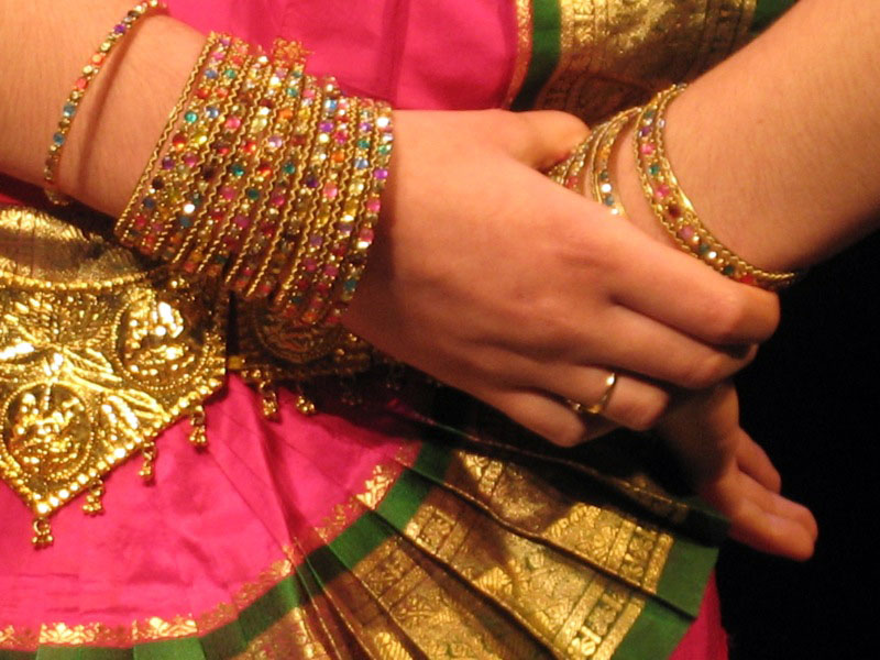 indian-dancer-hands